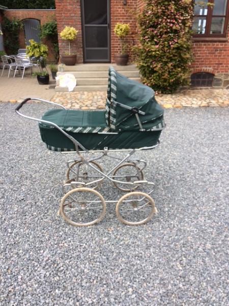 Odder barnevogn til salg