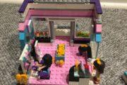 Lego Friends sælges