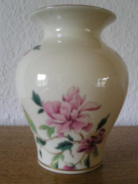 Ubrugt Vase