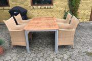 Havebord og 4 stole
