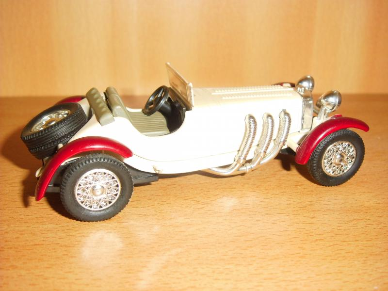 Model bil 1/43