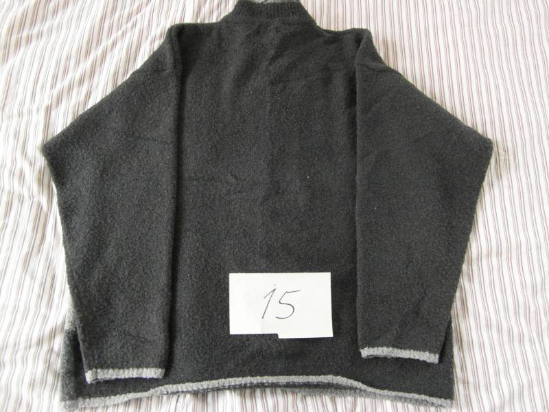 Sweater med krave