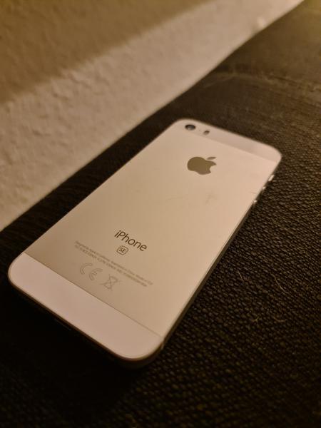 iPhone SE (2017) 64 GB sølv