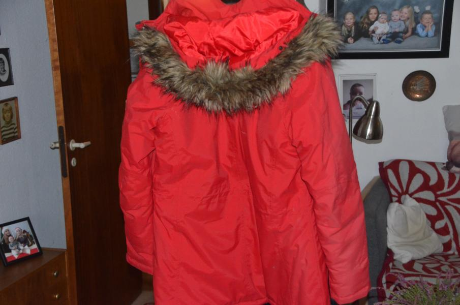 En Frakke til salg .