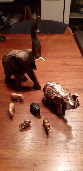 Lot. med 7 elefanter