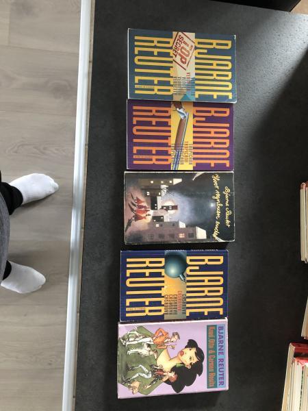 Mange forskellige bøger sælges