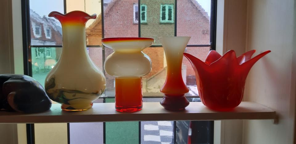 4 orange Vaser