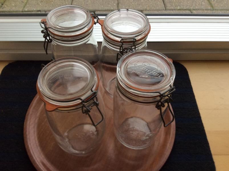 Glas med patentlåg