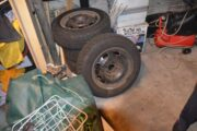 Stålfælge med dæk .