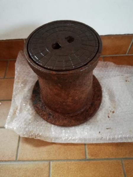 Støbejerns dæksel