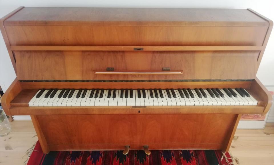 Geyer-klaver i teaktræ