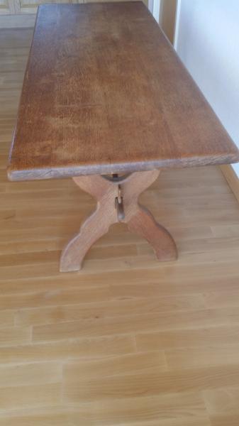 Massiv Plankebord. 450 kr.