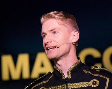 Danmarks yngste cirkusdirektør fylder 30 år