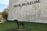Ulvehunden og andre skulpturer i Skive